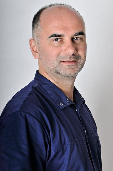 Dr Peter Gyuricza Spezialität: Implantologie, Oralchirurgie, ästhetische Zahnmedizin