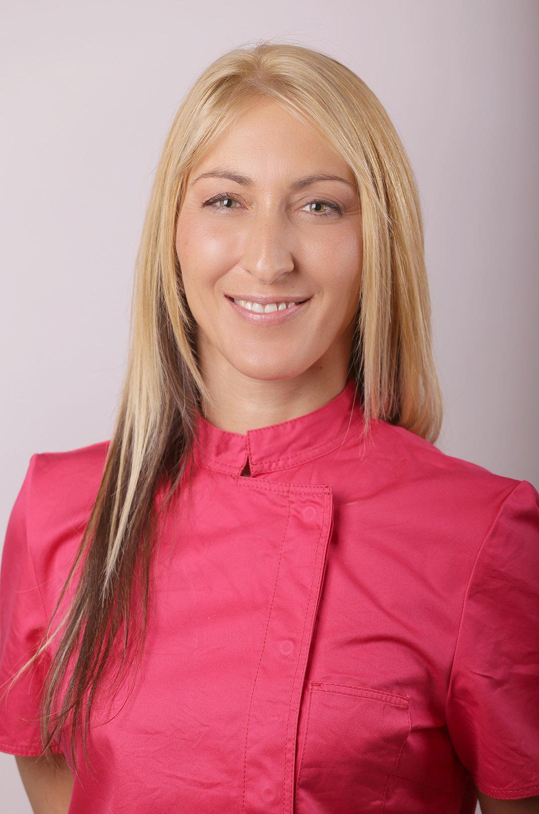Dr. Szilvia Szolnoki Zahnarzt