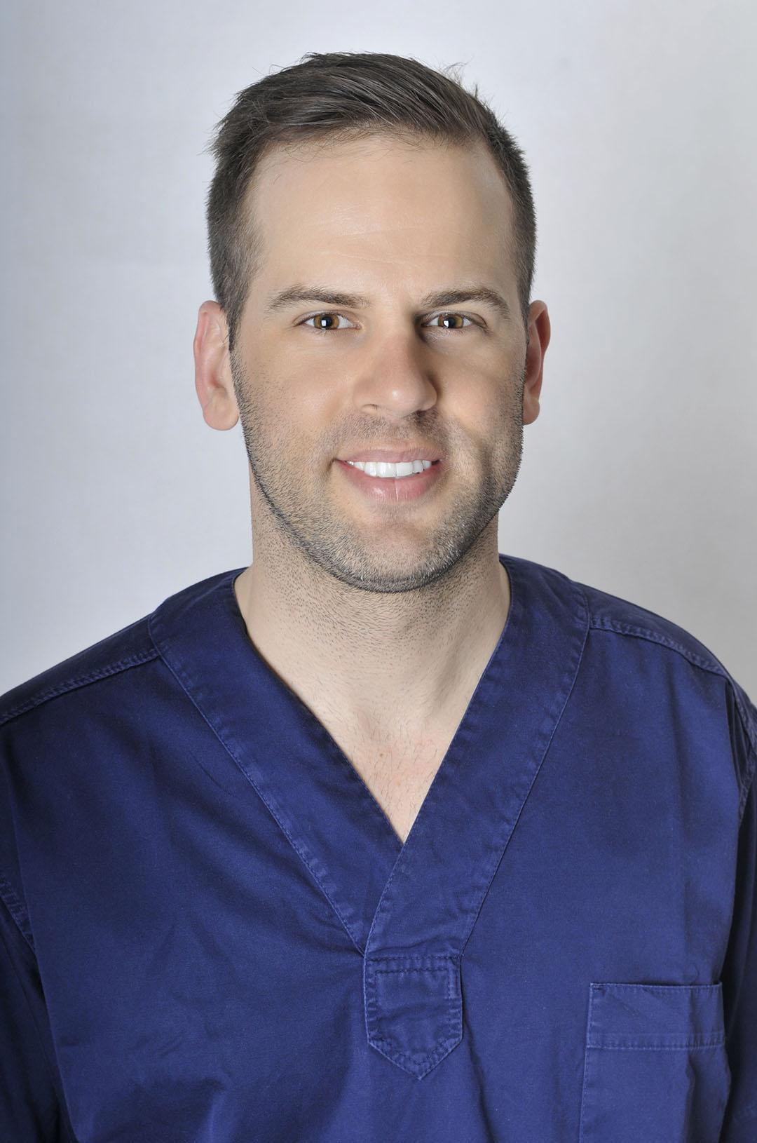 Dr. János Grosz Zahnarzt